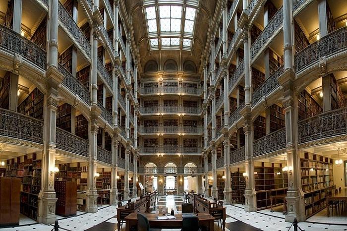 کتابخانه دانشگاه خودمختار بارسلونا